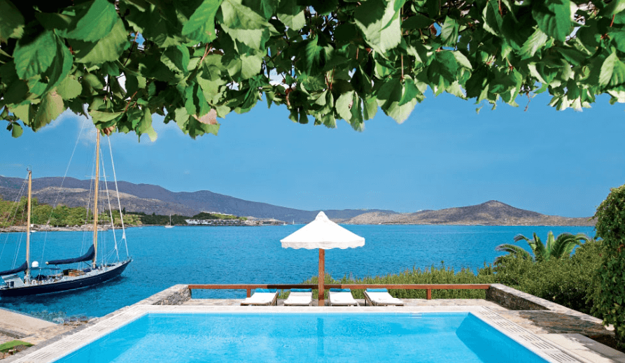Elounda Mare Hotel : le paradis a un nom. A trois heures de Bruxelles, une destination unique, sur l'île de Zeus.