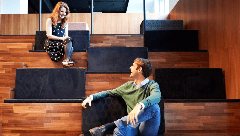 Silversquare ouvre à Luxembourg un espace inédit de coworking s'étirant sur plus de 2.300m2. Plus qu'un projet immobilier, un projet redéfinissant le travail autour du principe de communauté.