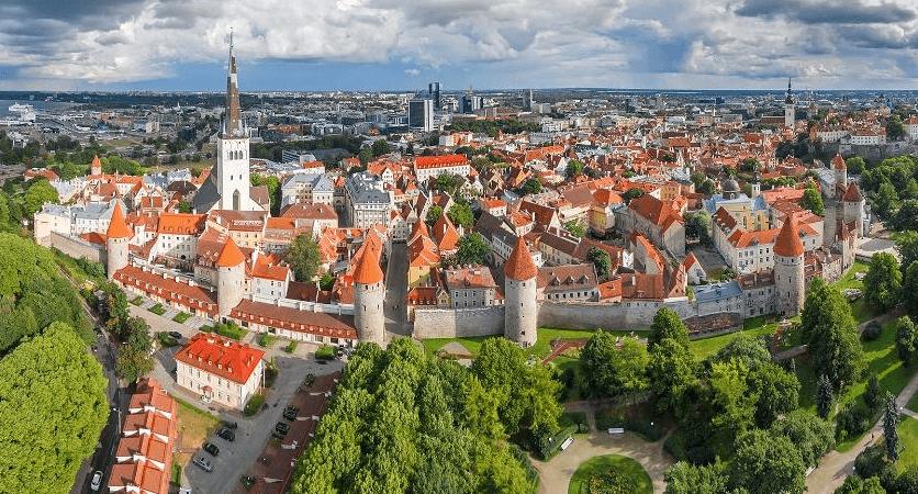 Le digital peut-il transformer un pays ? Si tous les regards sont portés sur l'e-embassy de l'Estonie au Luxembourg -la première au monde !- le petit pays balte de 1,3 million d'habitants est en train de donner une formidable leçon de digitalisation au monde entier.