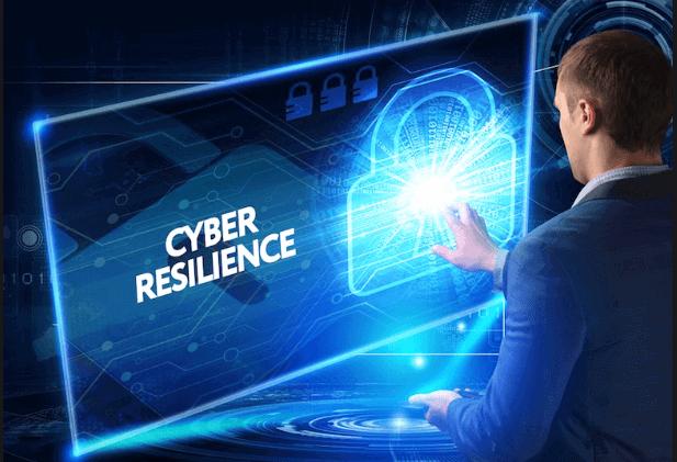 Globalement, en 2018, les entreprises ont gagné du terrain face aux cyberattaquants, estime Accenture. Dans l'entreprise, les codes évoluent...