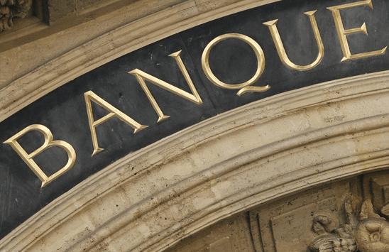 Face aux menaces des banques «challengers», des fintechs et des géants de la technologie, une catégorie de banques traditionnelles apparaît progressivement : les «banques résilientes»,