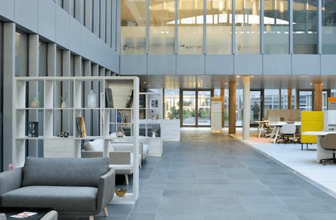 Regus ouvre son 9ème business center au Grand-Duché ! A partir de 84 EUR par mois. Les réservations se font via smartphone