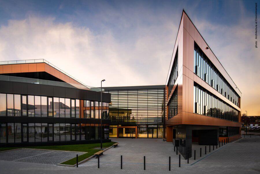 40 ans d'engagement pour un Luxembourg digital. Nouvelle étape cette année avec l'emménagement de Telindus dans la Proximus House. Explications de Gérard Hoffmann, CEO.