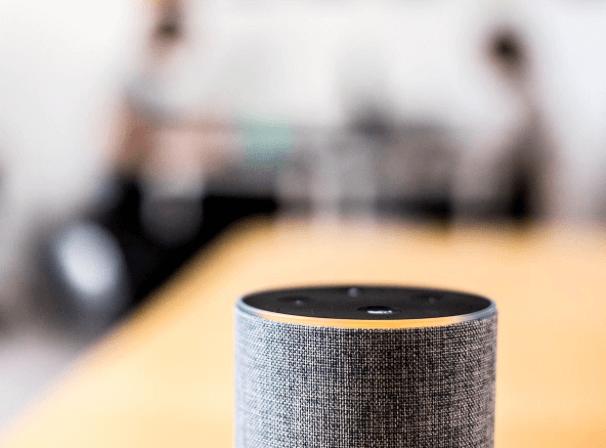 Alexa, Siri ou Cortona a-t-il déjà interrompu votre conversation ou parlé au hasard sans être appelé ?